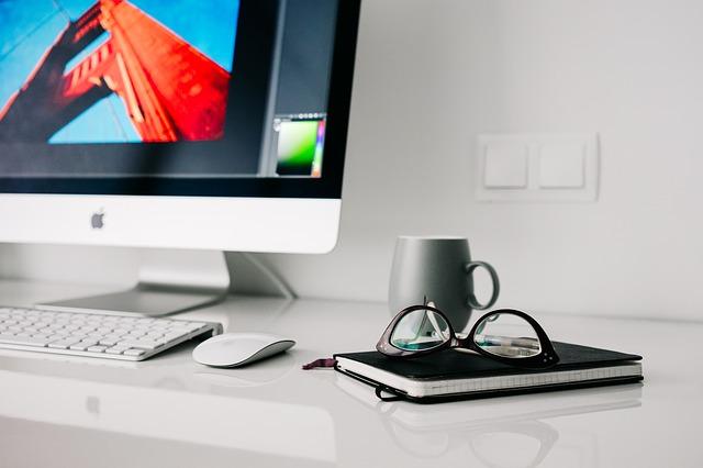 office-820390_640