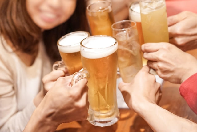 アルコールの飲み過ぎもむくみに繋がる
